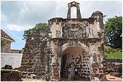 Porta_de_Santiago_A_Famosa